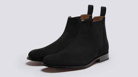 Những cách vệ sinh giày da lộn mà nam giới nên biết