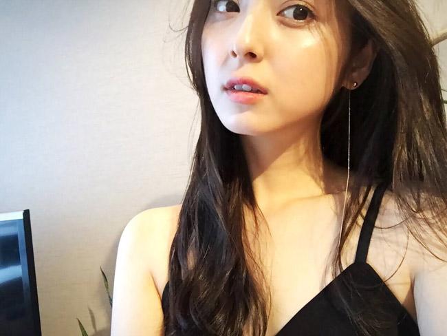 Trên Instagram của mỹ nữ Nhật giờ đây khá ít chia sẻ hình ảnh sexy.