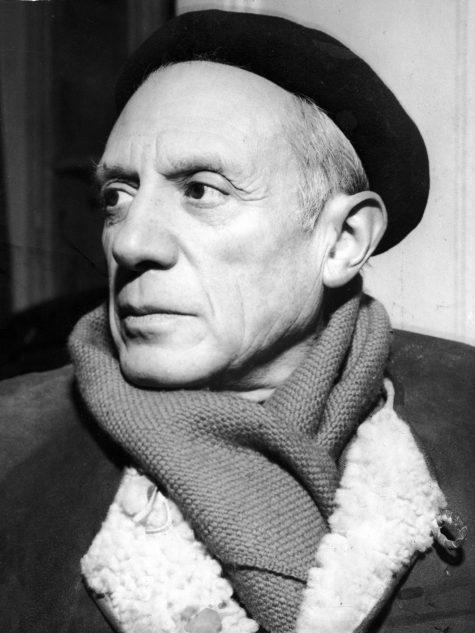 Pablo Picasso cùng chiếc mũ beret quen thuộc của ông. (Ảnh: The Independent)