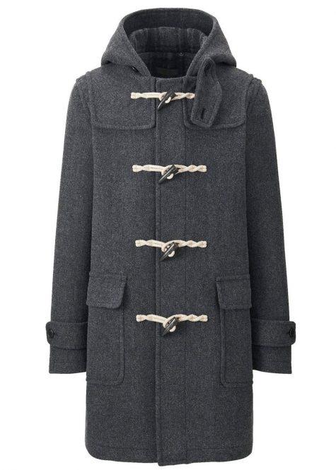 Chiếc áo khoác Duffle pha chất liệu wool của thương hiệu Uniqlo có giá tham khảo 40 USD.