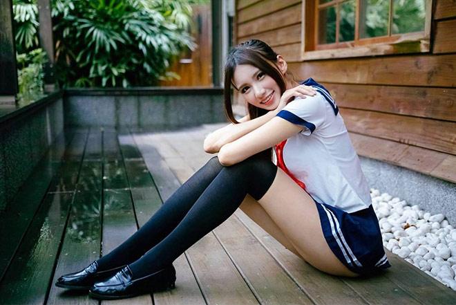 Candice trong trang phục Thủy thủ Mặt trăng Nhật vô cùng bắt mắt.