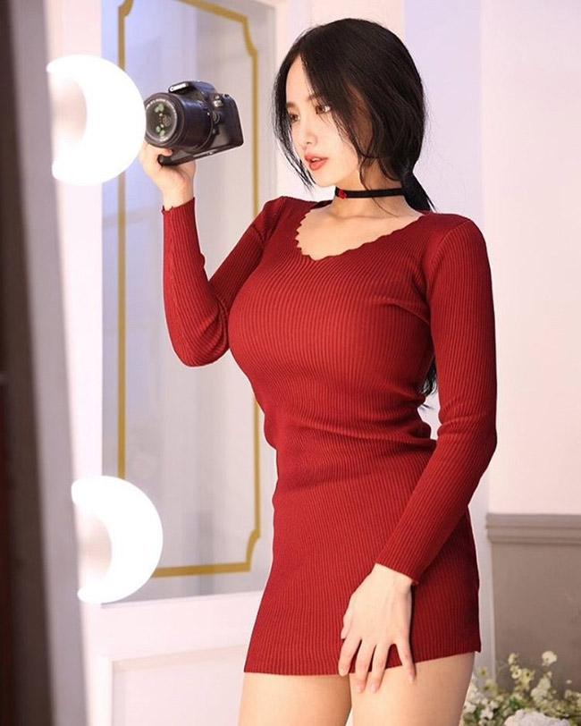 Instagram của hot girl Hàn Quốc không hề có một bức ảnh diện bikini hay nội y.
