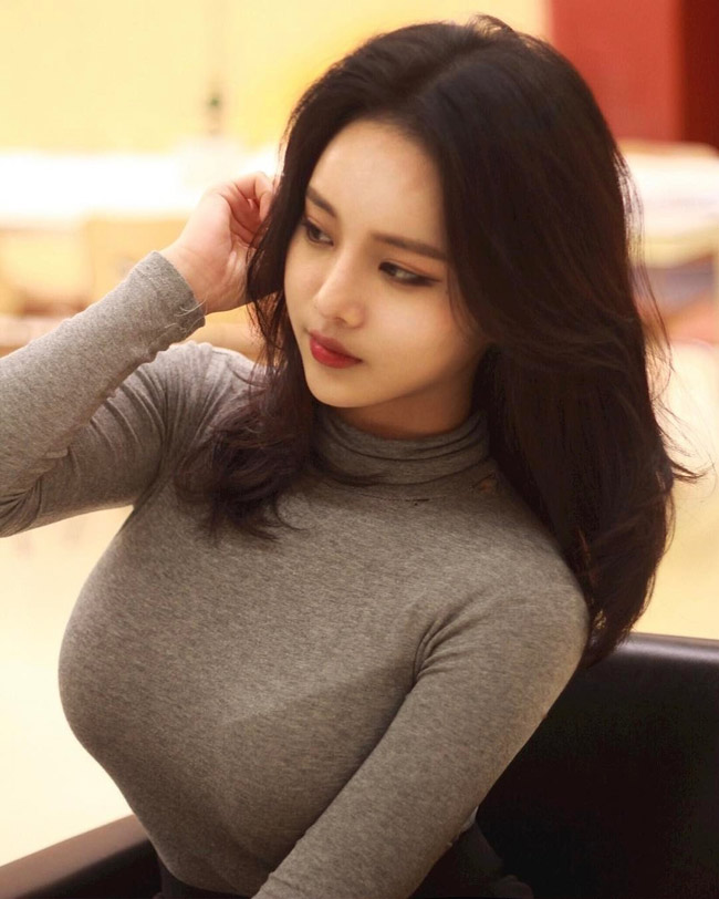 Những hình ảnh giản dị như thế này của Yu Han được cộng đồng mạng châu Á đua nhau truyền tay.