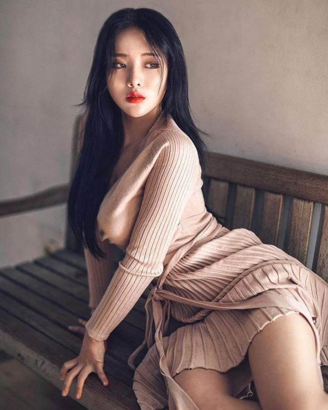 Ngay lập tức, hình ảnh này được chia sẻ rộng rãi và danh tính của cô cũng nhanh chóng được tìm ra.