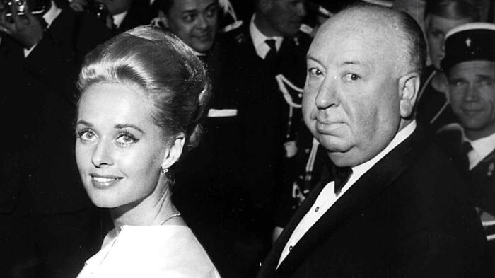 Tippy Hedren và người từng lạm dụng tình dục cô, đạo diễn Alfred Hitchcock