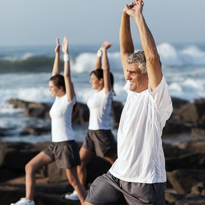 Người già tập thể dục