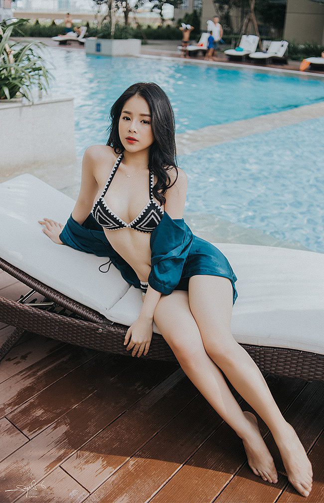 """DJ Mie đến từ Đà Nẵng, khá có tiếng trong giới """"xoay đĩa"""" Việt."""