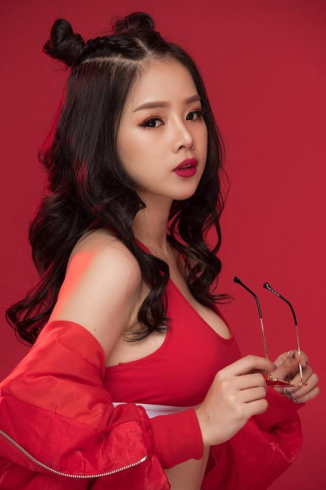 18 tuổi, Mie một mình Nam tiến lập nghiệp.