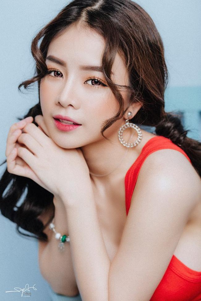 Cô thi đỗ vào trường Cao đẳng Múa Việt Nam và bén duyên với nghề DJ từ đây.