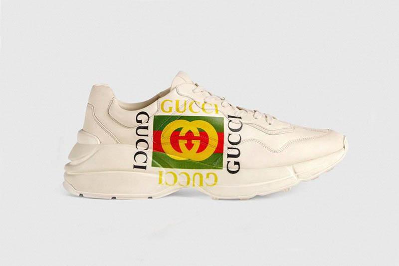 Thiết kế giày thể thao của Gucci khá đơn điệu nhưng lại được khách hàng ưa chuộng. Phải chăng đây là lý do dẫn đến việc các thương hiệu lạm dụng logo trong việc thiết kế giày sneakers? (Hình: Gucci)