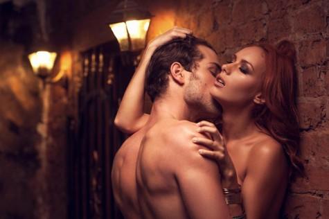 Phụ nữ cũng thích thú với sự hùng hổ của cánh mày râu trên giường, nhưng nên trao đổi với cô ấy trước khi muốn thử một cái gì đó mới lạ.