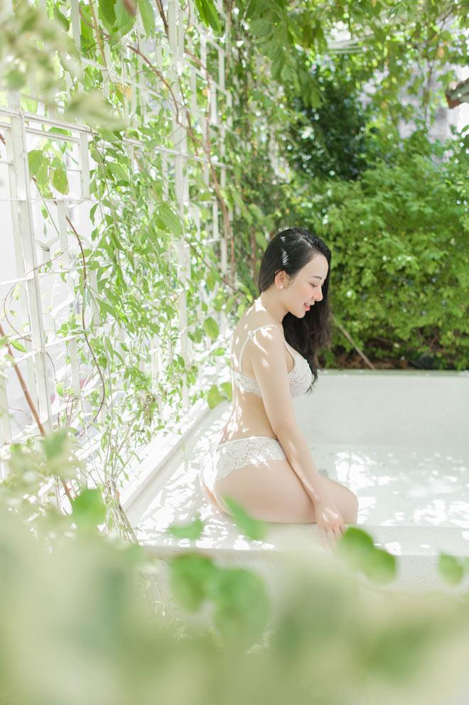 Nét đẹp Á Đông của Ngọc Phương hoàn toàn tự nhiên