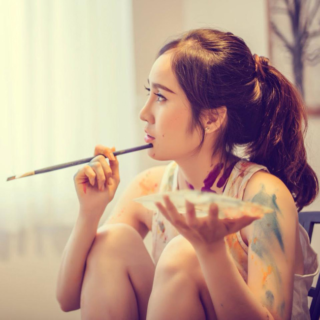 Ghé thăm Facebook và Instagram của cô giáo Bến Tre, nhiều người lầm tưởng cô là một hot girl hoặc mẫu ảnh...