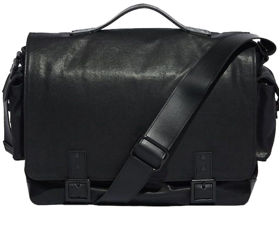 Hudson wax twill messenger bag, giá tham khảo: 395USD. Ảnh: ernestalexander.com