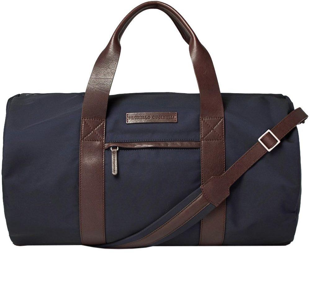 Leather trimmed shell duffle, giá tham khảo: 2,695USD. Ảnh: mrporter.com