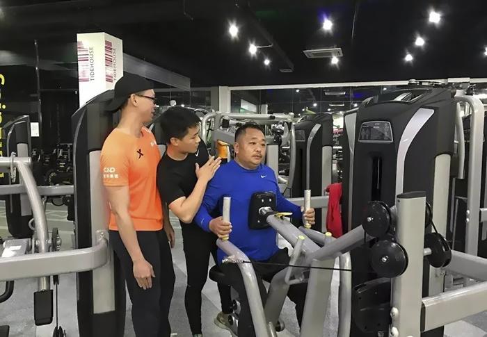 Kế hoạch tập luyện được thực hiện,  vừa tốt cho sức khỏe, lại tăng sự kết nối giữa các thành viên trong gia đình.