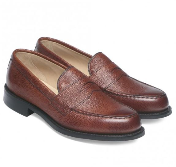 Mẫu giày Cheaney Howard R Loafer in Mahogany Grain Leather có mức giá 292 Bảng Anh (~6,6 triệu VND)