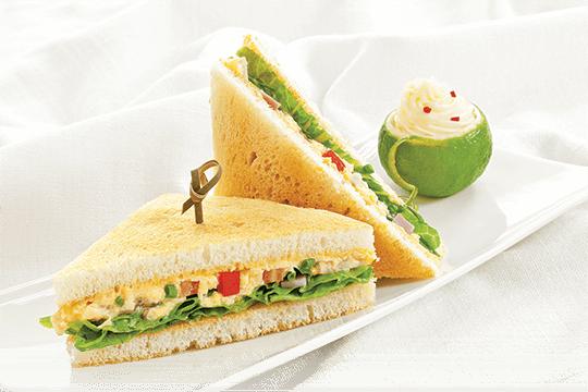 Một lát bánh mì cung cấp đủ carbohydrate cho bạn trước khi tập. Photo: Ajinomoto