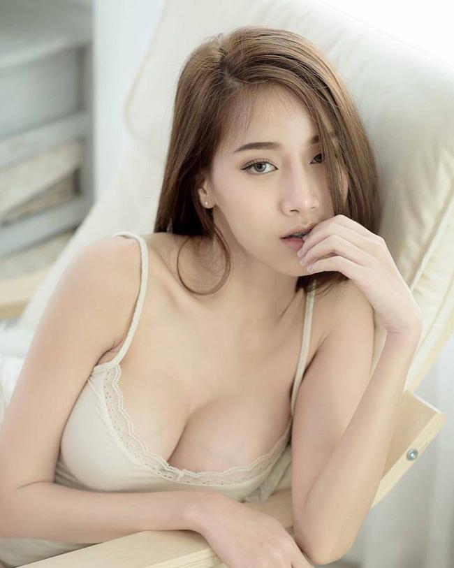 Gương mặt đẹp thoát tục của Pichana Yoosuk khiến bất cứ ai nhìn cũng phải ngẩn ngơ.