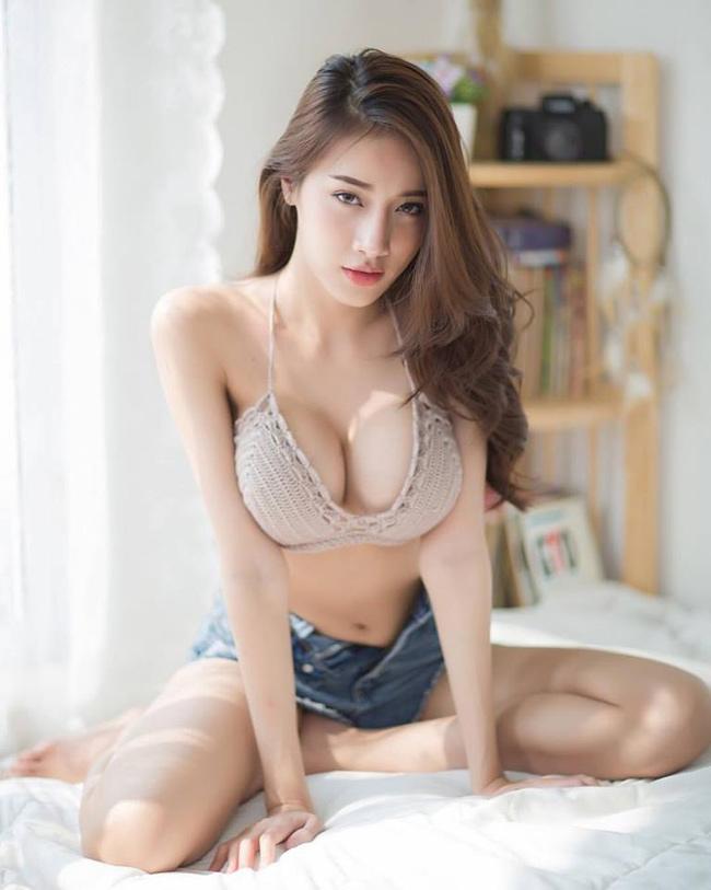 Pichana Yoosuk sở hữu hơn 300.000 lượt theo dõi trên Instagram.