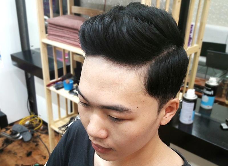 Tuy bây giờ ít phổ biến hơn nhưng nó vẫn là một tỏng những kiểu tóc nam đẹp nhất 2018