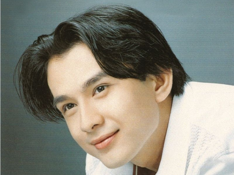 Anh Bo Đan Trường với kiểu tóc bổ luống quen thuộc