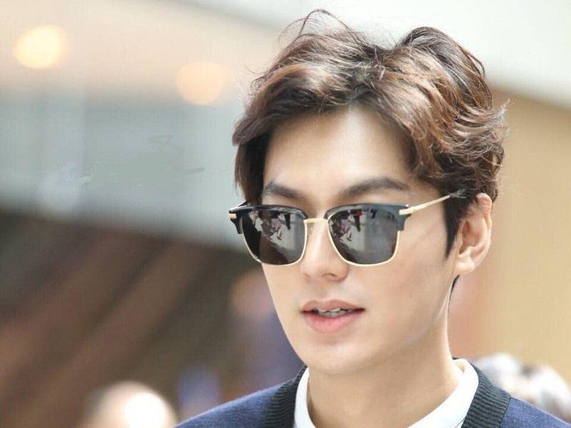 iện nay cũng có rất nhiều nghệ sĩ nổi tiếng để kiểu tóc này, bao gồm Lee Min Ho