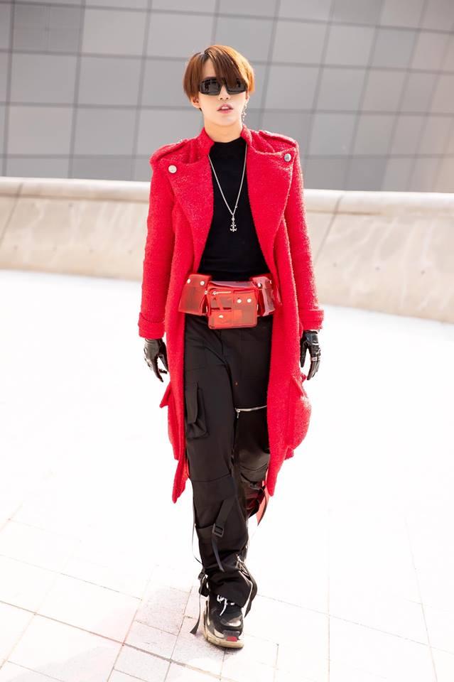 Lần đầu góp mặt trong danh sách thời trang sao nam ấn tượng của ELLE Man nhưng Kye Nguyễn vẫn mang đến một out fit chất lừ tại Seoul Fashion Week. Ảnh: Facebook Kiệt Tuấn Nguyễn