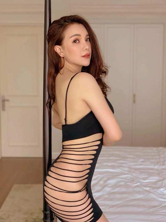 Với ngoại hình có nhiều thay đổi, không ít người đặt ra người đẹp đã can thiệp dao kéo nhưng cô phủ nhận. .