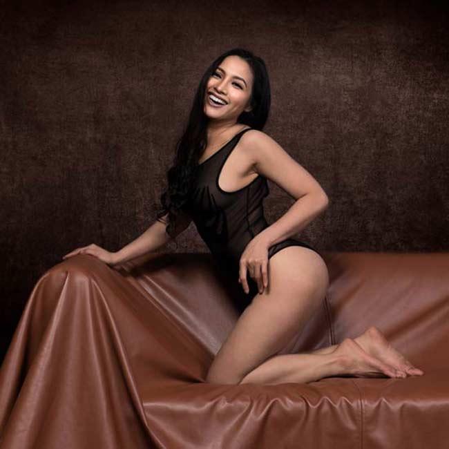 """Thái Nhã Vân, mỹ nhân quê ở Sóc Trăng cũng từng gây sốt dư luận một thời với bộ ảnh """"nude để thiền""""."""