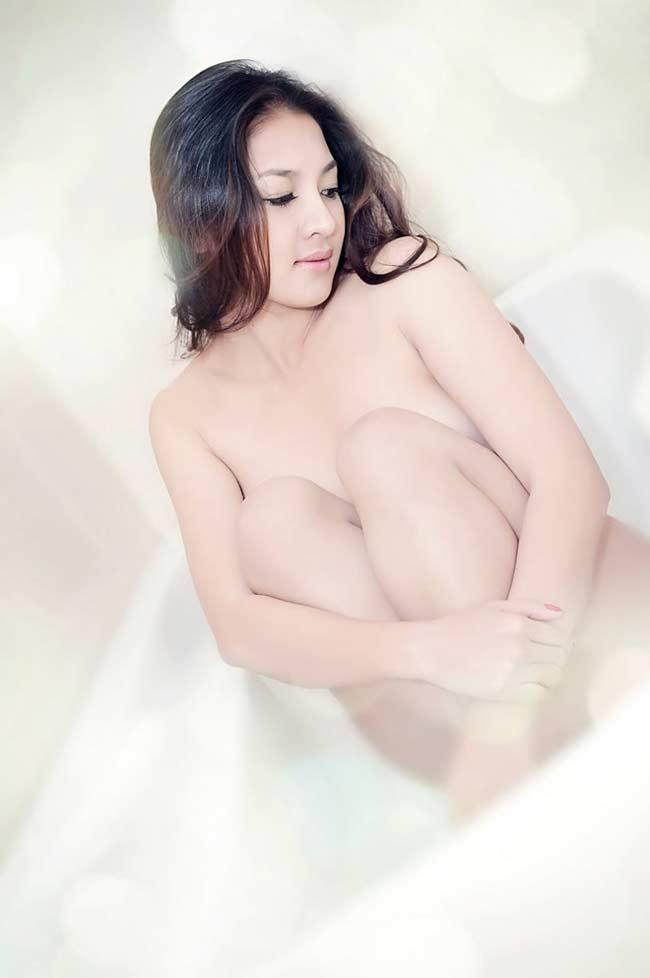 Mỹ nhân sinh năm 1988 này xem chụp ảnh nude là một bộ môn nghệ thuật và cô đam mê với nó.
