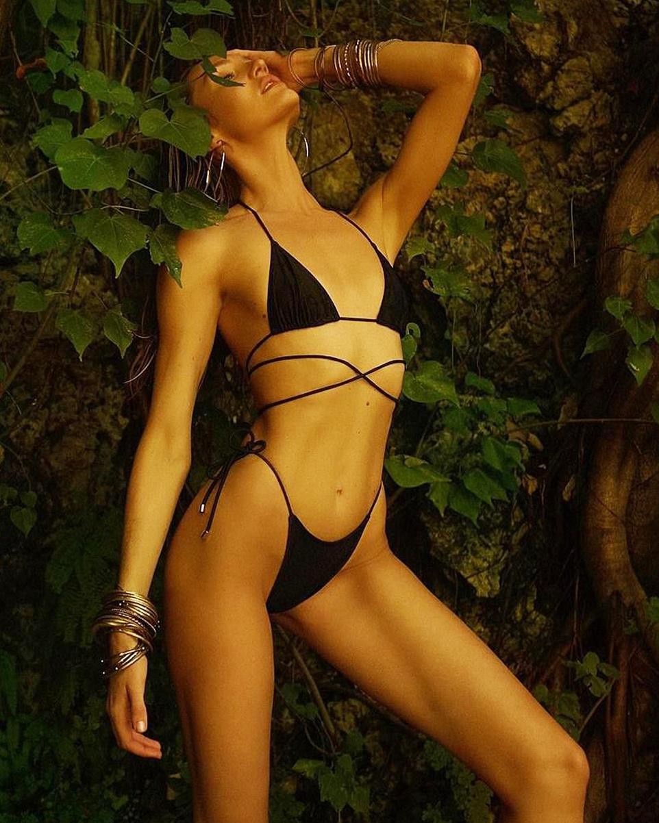 Thien than noi y dien bikini khoe dang sexy du da sinh 2 con hinh anh 2 Candice_khoe_dang_sexy_2.jpg
