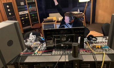Elon Musk tung track nhac EDM len SoundCloud va Spotify hinh anh 1 EPltySVUUAAxfew.jpg