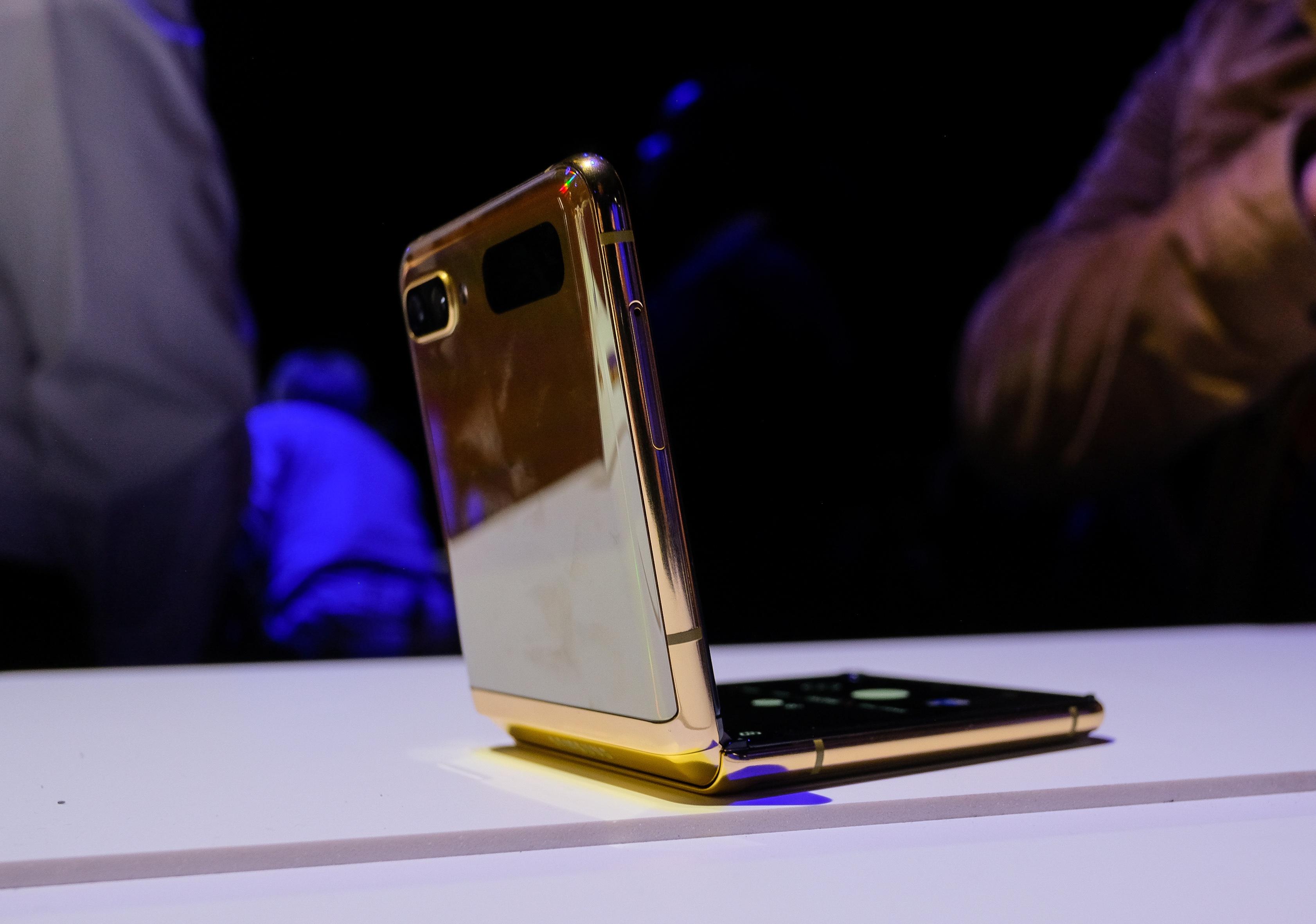 Anh thuc te Galaxy Z Flip - cach mang moi cua Samsung hinh anh 7 galaxy_s20_zing_3262.jpg