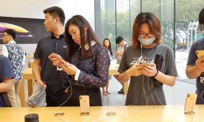 1 trieu don hang mua iPhone bi anh huong nang boi virus corona hinh anh 1 iPhone_in_China.jpg