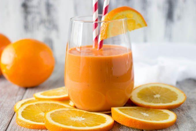 nước uống sinh tố làm từ cam