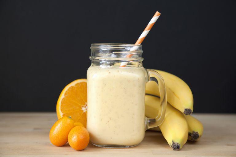 nước uống sinh tố từ cam và chuối