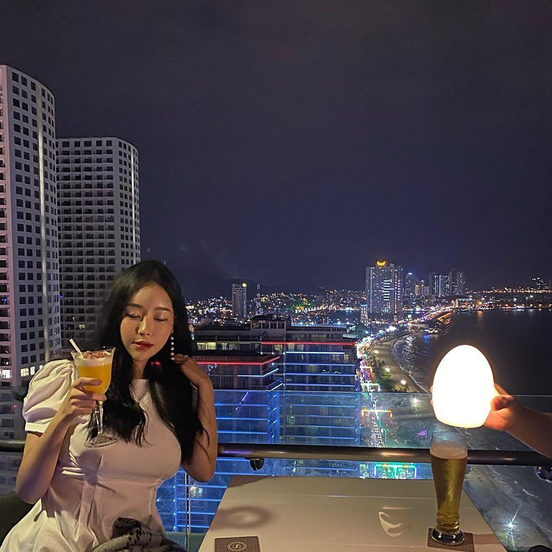 Check-in pho bien Nha Trang tai 5 quan ca phe view dep hinh anh 15 evsjulie_.jpg