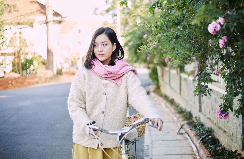 Nhan sac hot girl 'Mat biec' trong lan dau dong MV hinh anh 1 thao_tam1.jpg