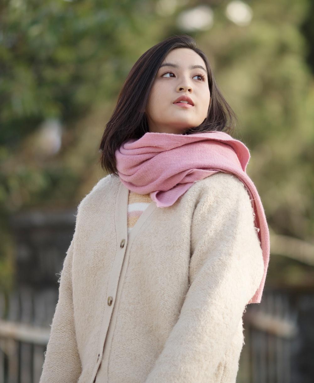 Nhan sac hot girl 'Mat biec' trong lan dau dong MV hinh anh 3 thao_tam3.jpg