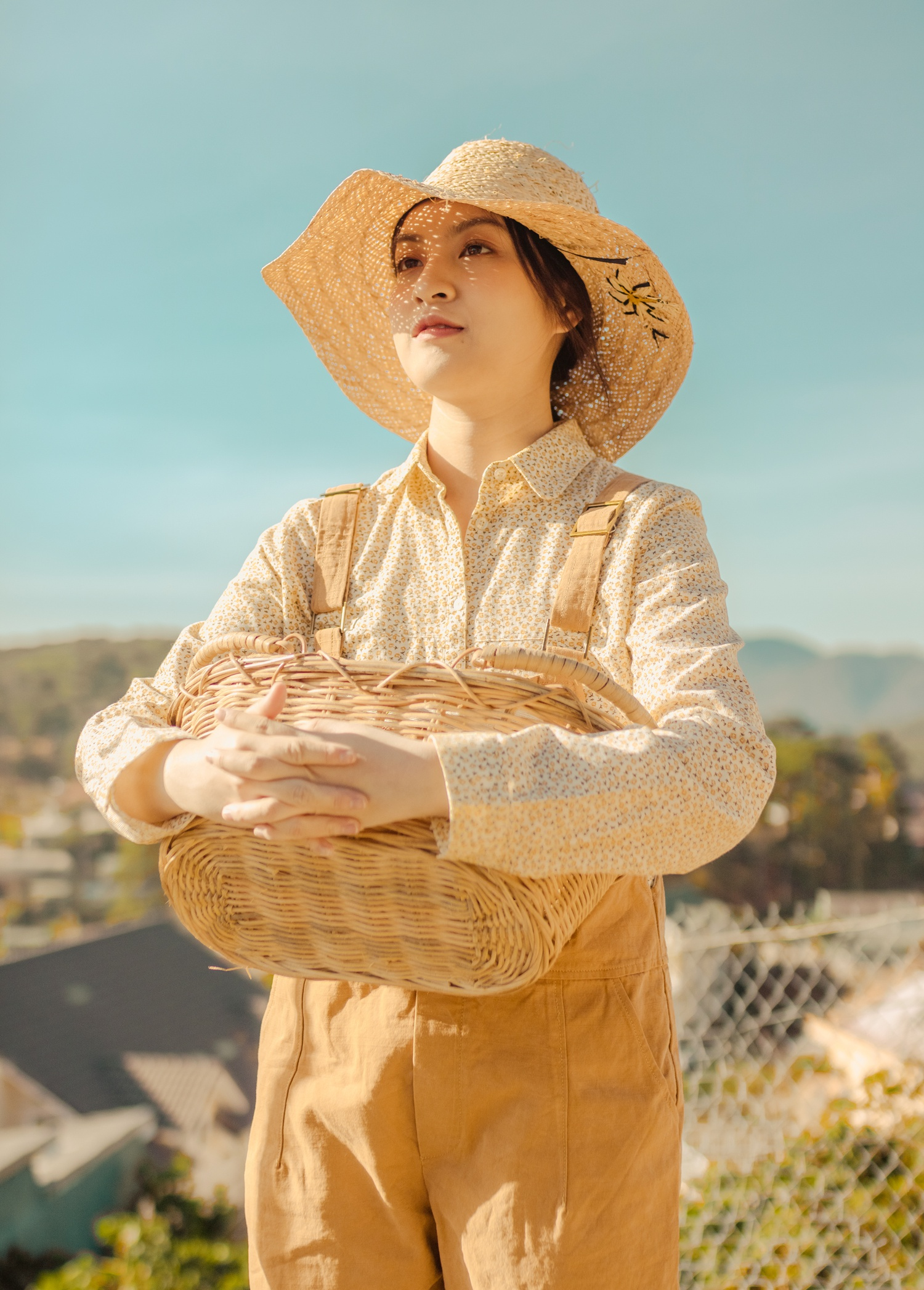Nhan sac hot girl 'Mat biec' trong lan dau dong MV hinh anh 8 thao_tam8.jpg