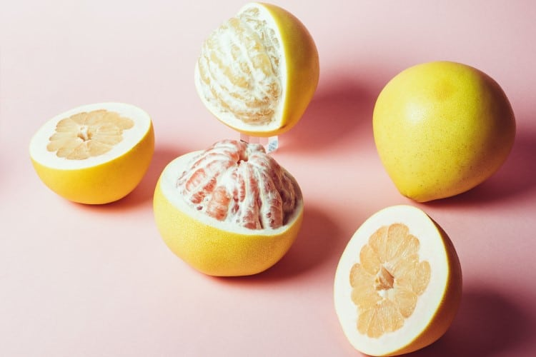 Bưởi là loại trái cây giảm cân