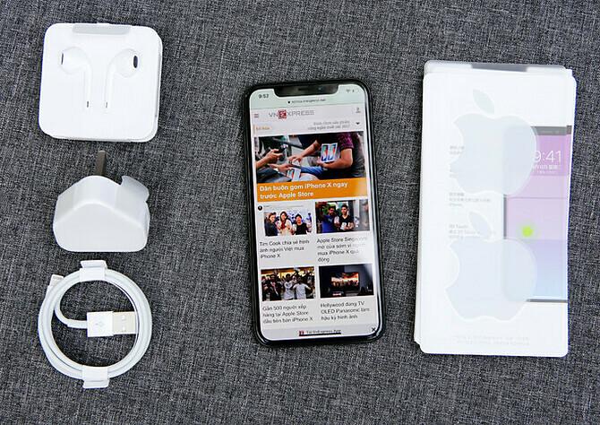 iPhone X/XS mất giá khoảng 50% sau một năm.