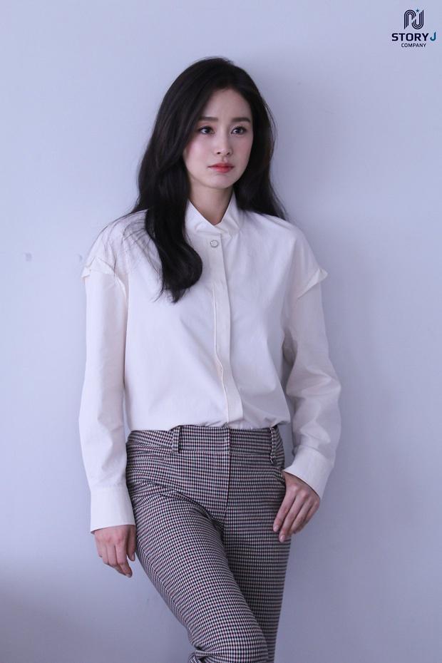 Kim Tae Hee khoe nhan sac tuoi 40 hinh anh 11 35.jpg