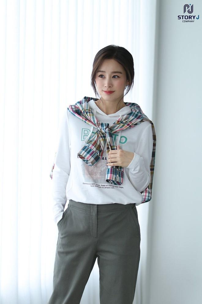 Kim Tae Hee khoe nhan sac tuoi 40 hinh anh 2 44.jpg