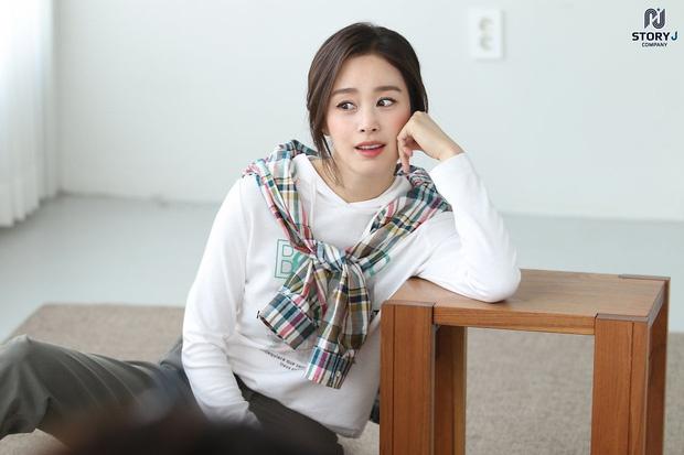 Kim Tae Hee khoe nhan sac tuoi 40 hinh anh 1 45.jpg