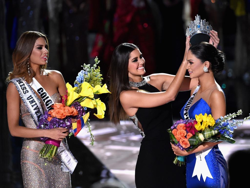 Nguoi dep Colombia sau 5 nam bi trao nham vuong mien hinh anh 1 64th_Annual_Miss_Universe_Pageant_lUWytkQmoStx.jpg