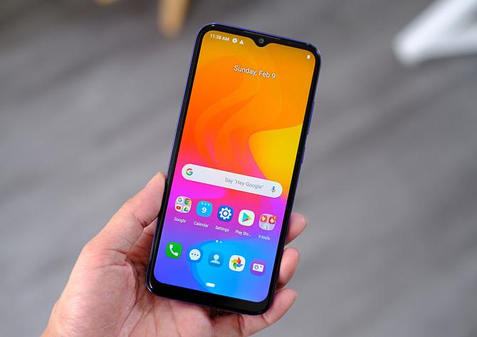 Một chiếc smartphone do Việt Nam sản xuất. Ảnh:T.H
