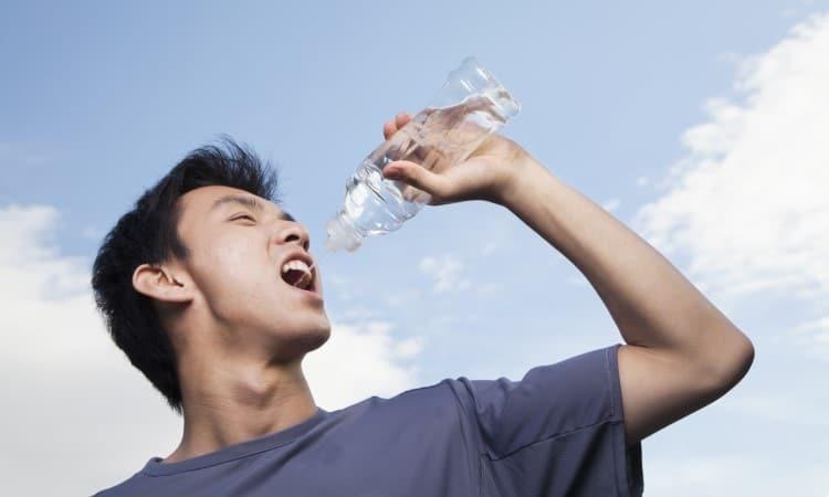 Uống nước lọc có thể giúp giảm cân nhờ khả năng đốt calo