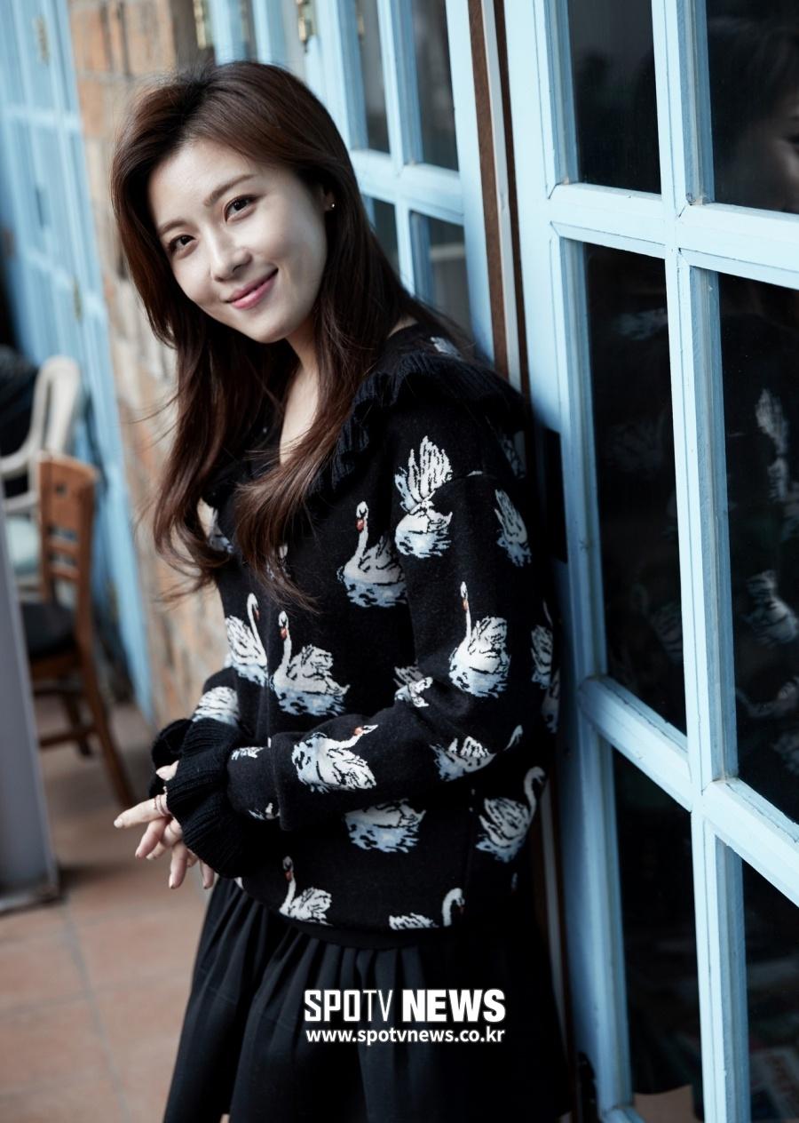 Ha Ji Won - da nu doc than quyen luc cua showbiz Han hinh anh 7 ha_ji_won_yoon_kye_sang_noi_bat_trong_tao_hinh_drama_moi_f8c198.jpg